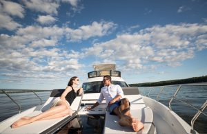Cruisers Yachts - 60 Fly-bow-lounge