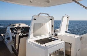 Cruisers Yachts - 60 Fly-grill