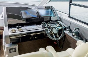 Cruisers Yachts - 60 Fly-helm