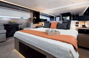 Cruisers Yachts - 60 Fly-master-stateroom