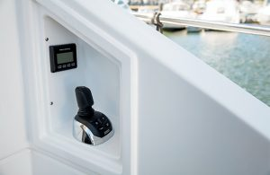 Cruisers Yachts - 60 Fly-rear-docking
