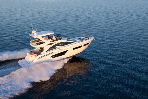 Cruisers Yachts - 60 Fly-slide5