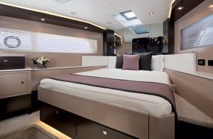Cruisers Yachts - 60 Fly-vip-stateroom