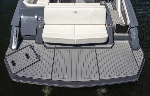 Cruisers Yachts - 338 Bow Rider