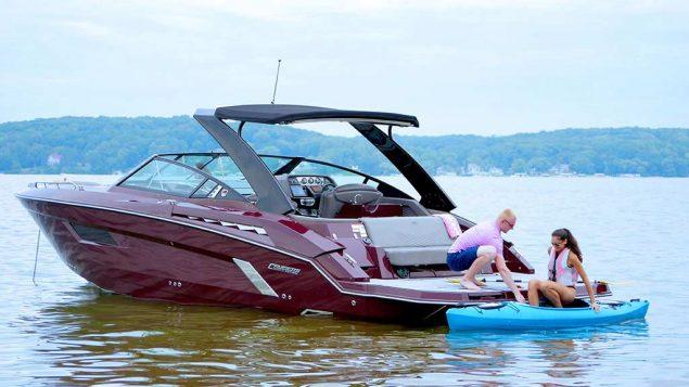 Cruisers Yachts - 338 Palm Beach Edition - Bow Rider