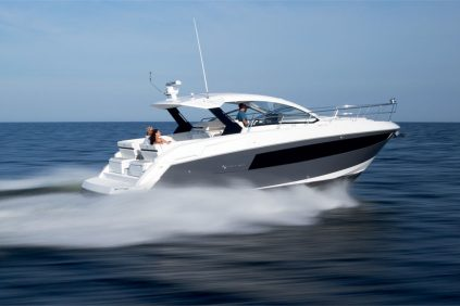 Cruisers Yachts - 39 Express Coupe