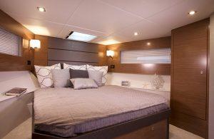 Cruisers Yachts - 42 Cantius