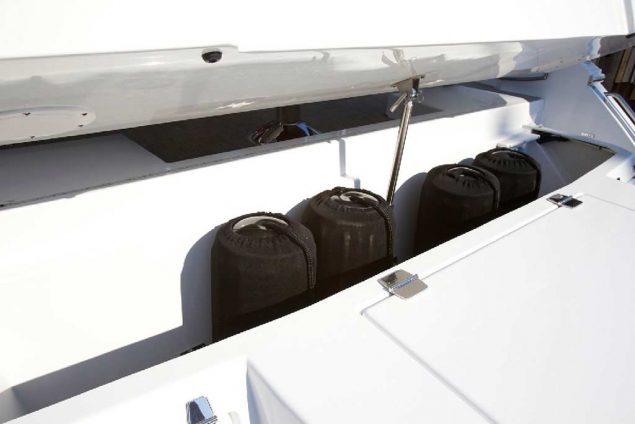 Cruisers Yachts - 50 Cantius