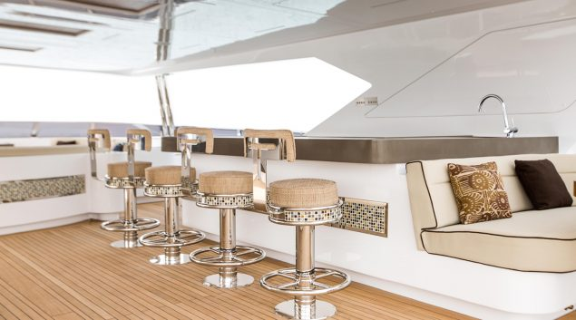 Majesty Yachts - 155