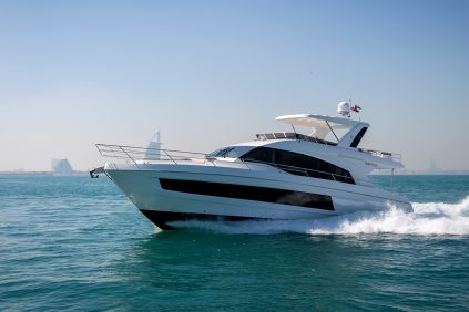 Majesty Yachts - 62