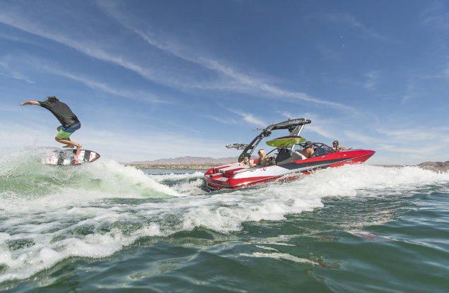 Malibu Boats - 21 MLX