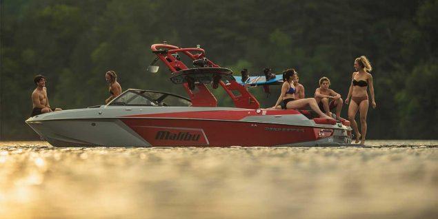 Malibu Boats - 23 LSV