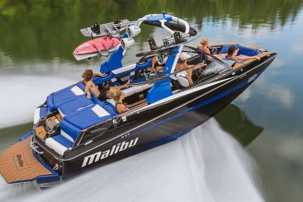 Malibu Boats - M235