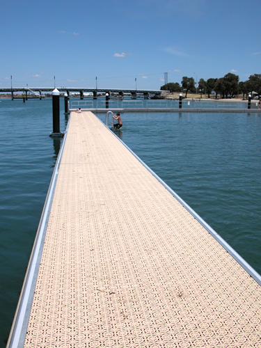 Poralu Marine – Bathing Platforms