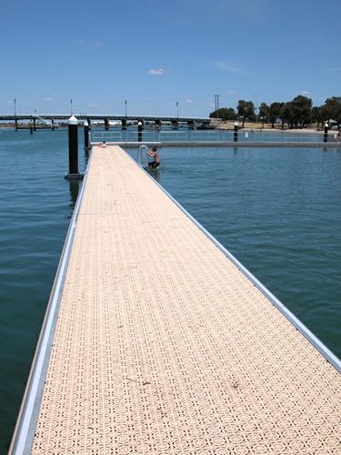 Poralu Marine – Bathing Platforms