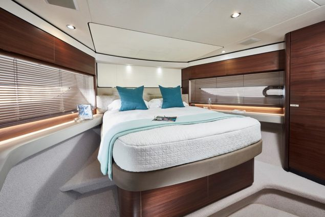 Princess Yachts - F62