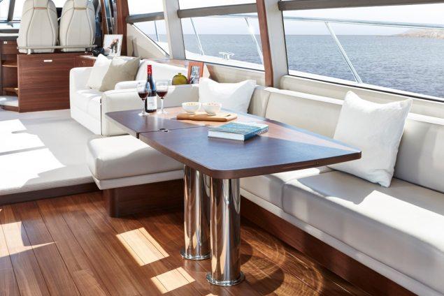Princess Yachts - F70