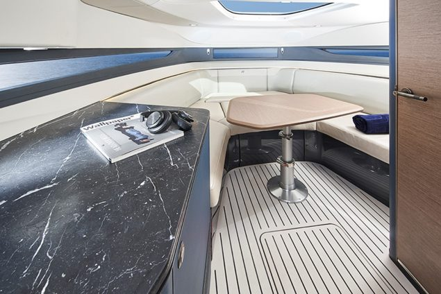 Princess Yachts - R35