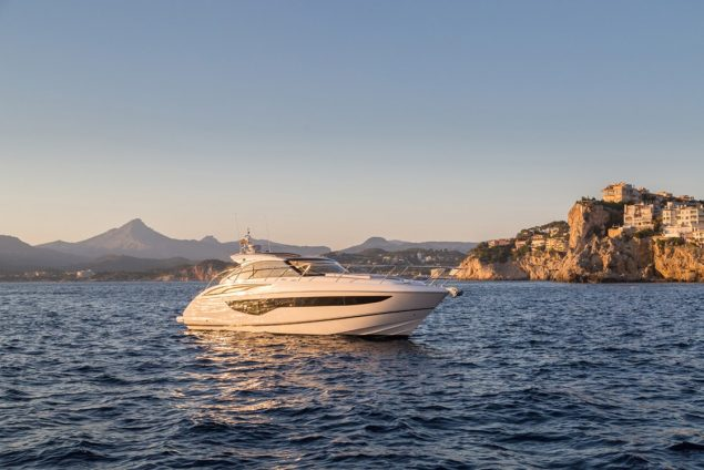 Princess Yachts - V40