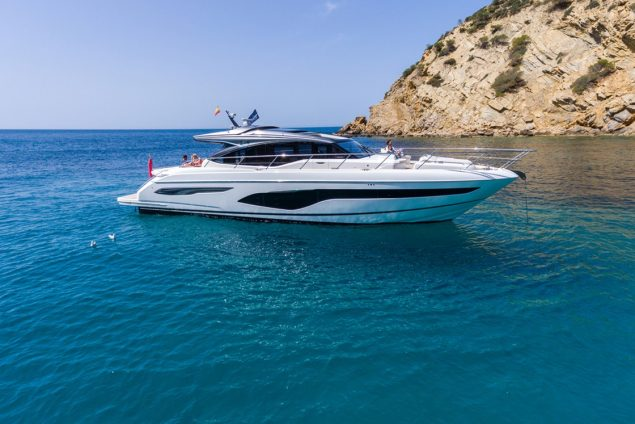 Princess Yachts - V65