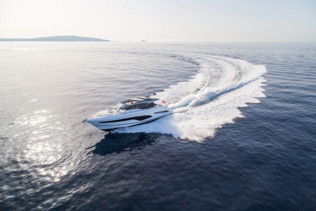 Princess Yachts - V65